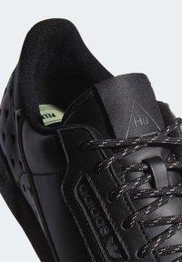 adidas Originals - Pharrell Williams x CONTINENTAL 80 - Joggesko - core black - 7
