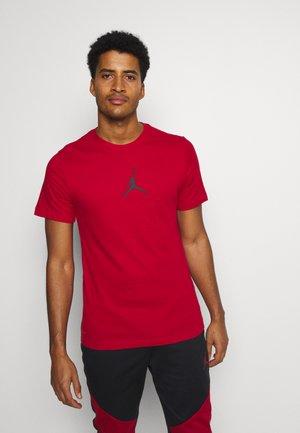 JUMPMAN CREW - T-shirt con stampa - gym red/black