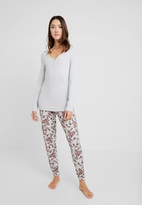 LASCANA - FASHIONABLE NIGHTS LONGSLEEVE - Nattøj trøjer - light grey - 1