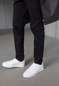 Filling Pieces - LIGHT PLAIN COURT UNISEX - Sneakers basse - all white - 5