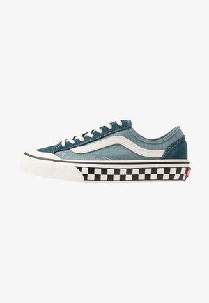 STYLE 36 DECON - Skate shoes - stargazer/lead
