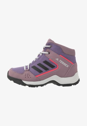 TERREX HYPERHIKER TRAXION HIKING SHOES - Vaelluskengät - tech purple/core black/shock red