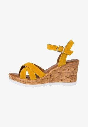 Sandály na vysokém podpatku - sun
