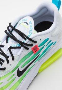Nike Sportswear - AIR MAX EXOSENSE SE UNISEX - Trainers - white/blue fury/volt/black - 5