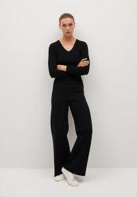 Mango - BLOCKER - Trousers - schwarz - 1