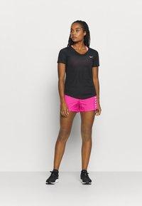 Nike Performance - BREATHE - Print T-shirt - black/silver - 1