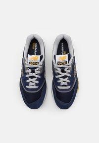 New Balance - 997 UNISEX - Sneakers - black/gold - 3