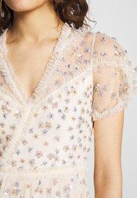 Needle & Thread - RUFFLE GLIMMER GOWN - Vestido de fiesta - off-white - 6