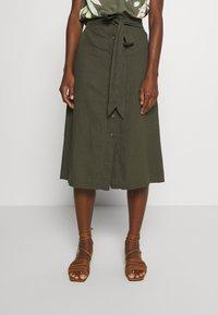 GAP - V TIE FRONT MIDI SKIRT - A-line skirt - baby tweed - 0