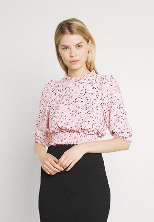 FOCHETTE RUFFLE NECK - Tričko s potlačou - pink