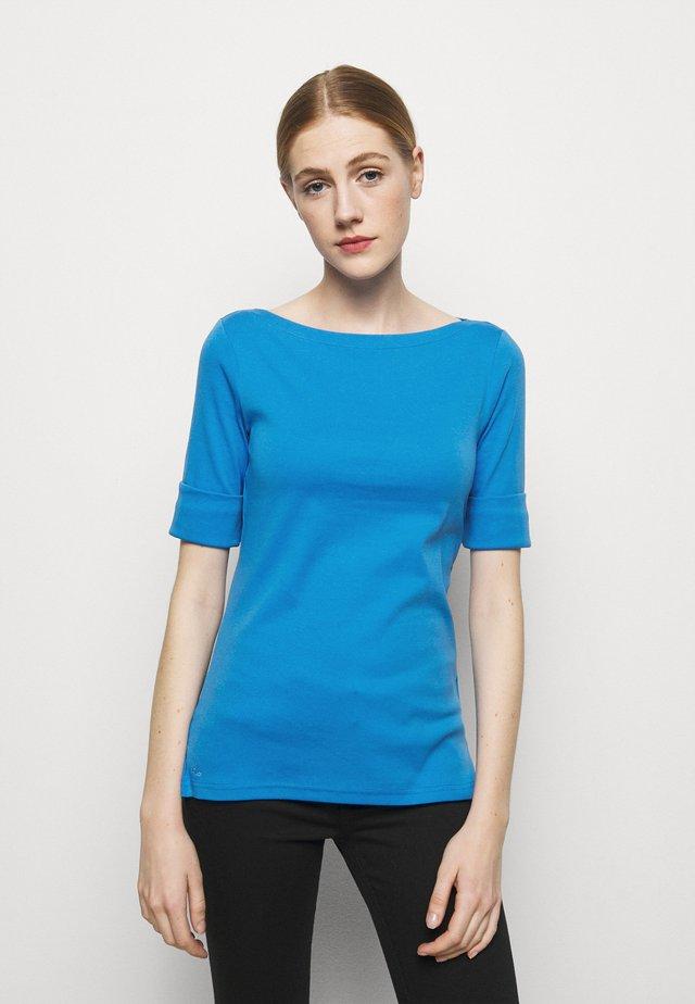 Jednoduché triko - captain blue