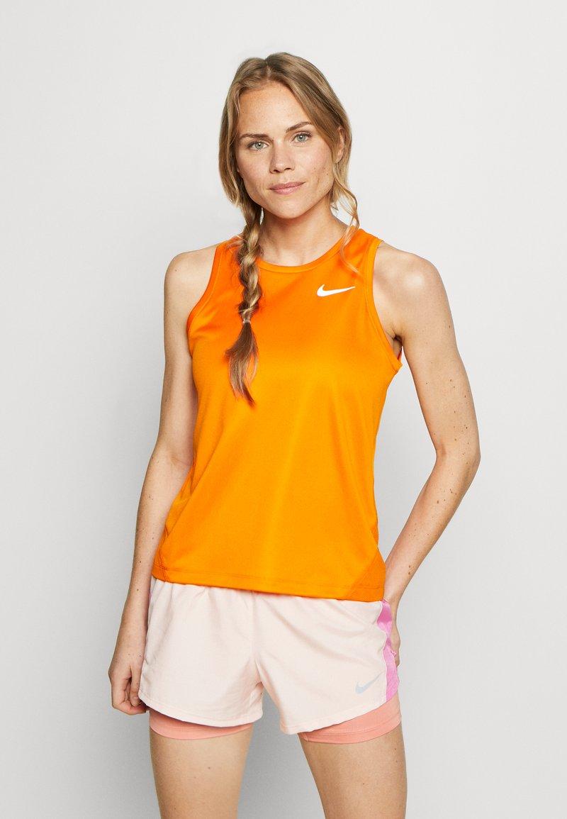 Nike Performance - MILER TANK - Camiseta de deporte - magma orange/reflective silver