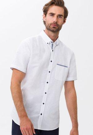 STYLE DAN - Shirt - WEISS