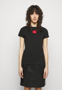 HUGO - THE SLIM TEE REDLABEL - Triko s potiskem - black - 0