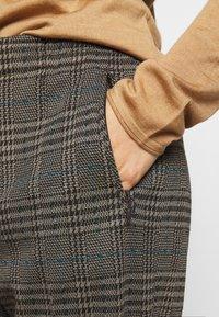 DRYKORN - ACCESS - Trousers - braun - 4