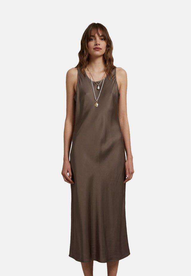 Day dress - marrone