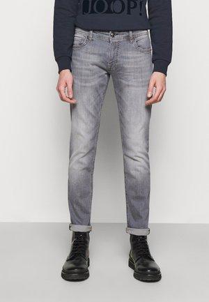 HAMOND  - Slim fit jeans - silver