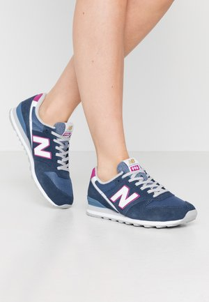 WL996 - Trainers - navy