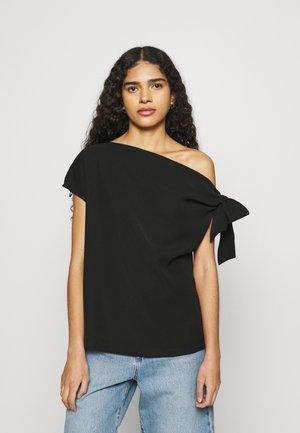 THE DROP OFF - Print T-shirt - black