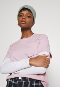 Nike Sportswear - T-shirt con stampa - champagne/white - 3