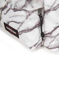 Eastpak - PADDED PAK'R SUPERB  - Zaino - white/grey - 8