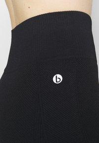 Cotton On Body - LIFESTYLE SEAMLESS SHORTIE SHORT - Medias - black chevron - 5