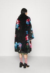 Vivetta - FUR COAT - Classic coat - black - 2