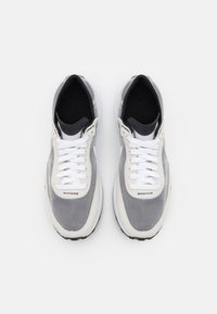 Nike Sportswear - WAFFLE ONE  - Trainers - summit white/white/black/orange - 7