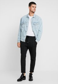 Only & Sons - ONSLINUS PANT  - Trousers - black - 1