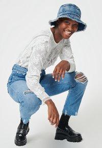 Pimkie - MOM FIT JEAN - Straight leg jeans - denimblau - 4