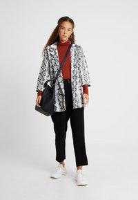 New Look Petite - ROLL NECK 2 PACK - Long sleeved top - black/chocolate - 1