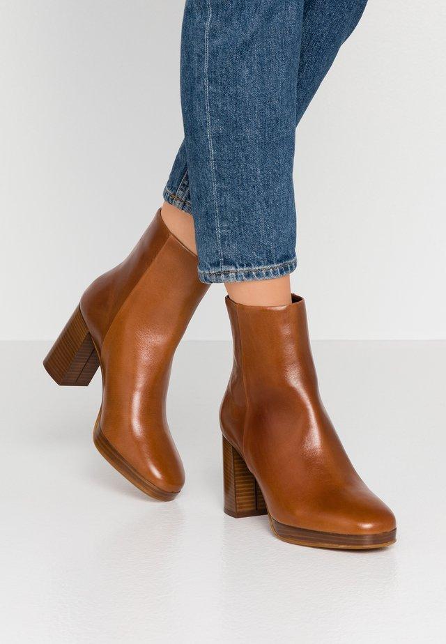 PICASSO - Platform ankle boots - cognac