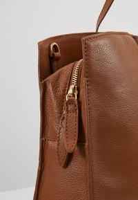 KIOMI - LEATHER - Laptop bag - cognac - 6
