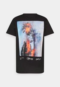 Sixth June - BURNING PALMS TEE - Print T-shirt - black - 1