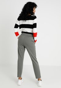 JDY - PRETTY PANT JRS NOOS - Tracksuit bottoms - castor gray - 2