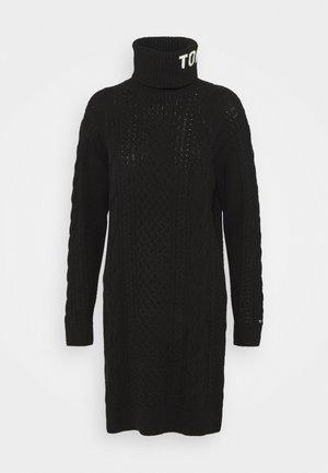 TURTLE NECK DRESS - Pletené šaty - black