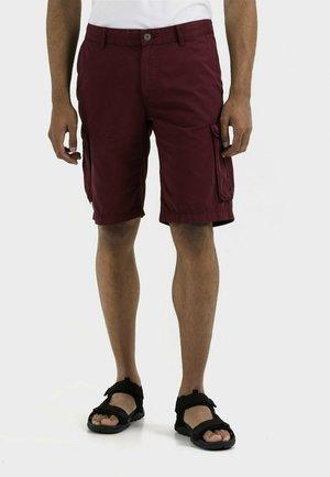 REGULAR FIT - Shorts - berry