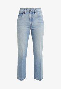 MIKAELA WASH - Flared Jeans - light indigo