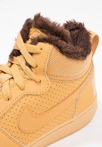 Nike Sportswear - COURT BOROUGH MID - Zapatillas altas - haystack/baroque brown - 5