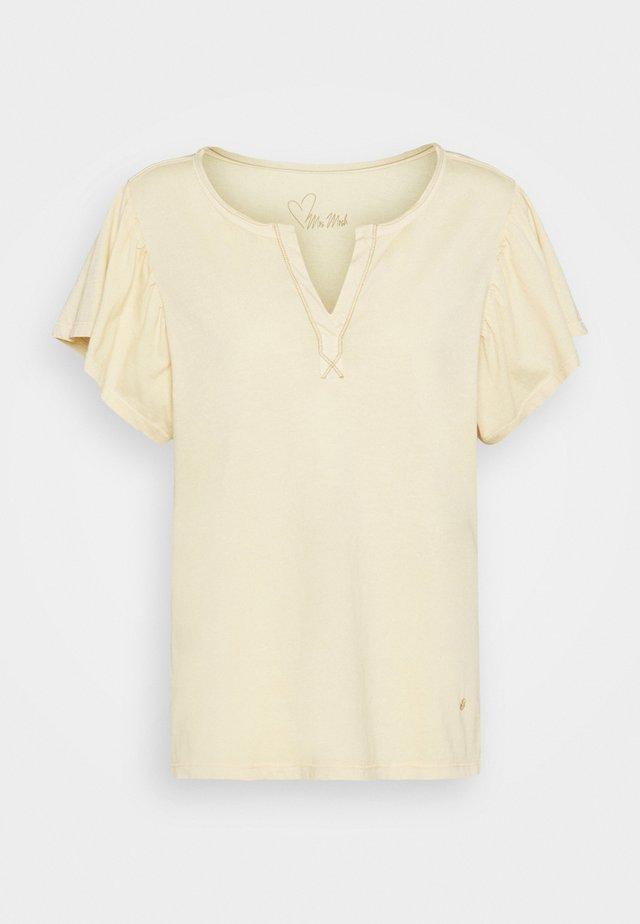 SHELLY FLOUNCE TEE - T-shirts print - charmomile
