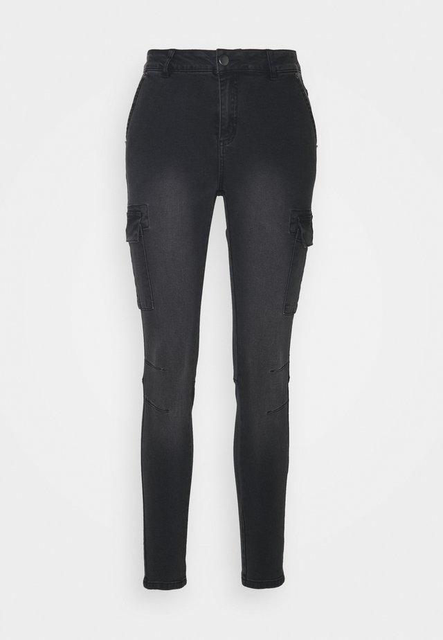 KABRIANNE - Jeans slim fit - black denim wash down