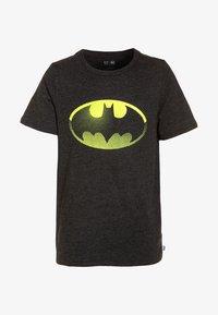 GAP - DC COMICS BATMAN BOYS SHIELD TEE - Print T-shirt - true black - 0