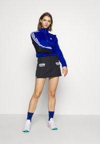 adidas Originals - BELLISTA SPORT INSPIRED TRACK TOP - Training jacket - collegiate royal/black - 1