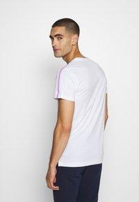Björn Borg - TOMLIN TEE - Print T-shirt - brilliant white - 2