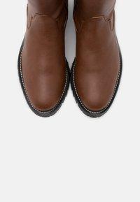 NAE Vegan Shoes - LOU VEGAN - Saappaat - brown - 5