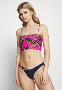 Maaji - SPARKLING PIXIE V FRONT BOTTOM CHEEKY CUT - Bas de bikini - multi - 0