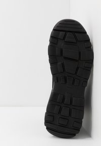 Versace Jeans Couture - Sneakersy wysokie - black - 4