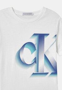 Calvin Klein Jeans - PIXELATED MONOGRAM - Print T-shirt - white - 2