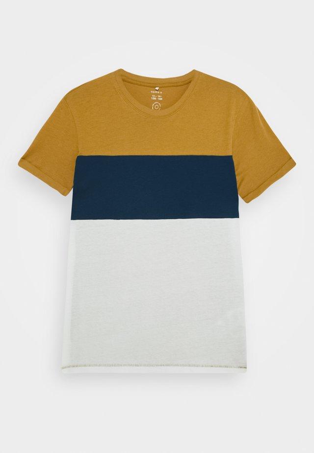 NKMKUT - T-Shirt print - medal bronze