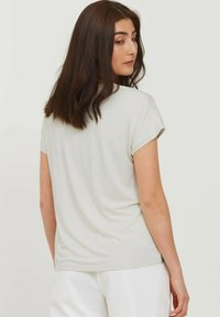 b.young - BYPANYA  - Print T-shirt - nectarine mix - 2